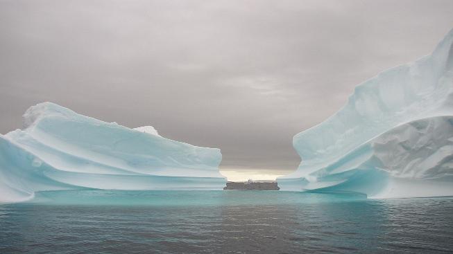 Deniz Üstünde Buzul Kütleleri
