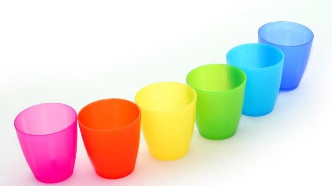 Renkli Plastik Bardaklar