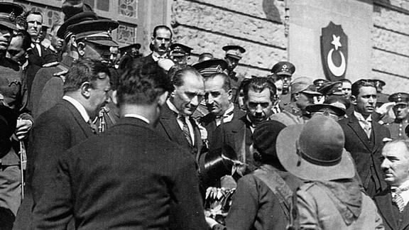 Mustafa Kemal Atatürk Haydarpaşa Garında