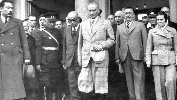 Atatürk Elazığ İstasyonunda