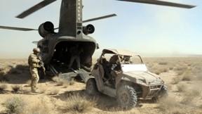 boeing,chinook,helikopter,askeri taşıt,çimen,asker