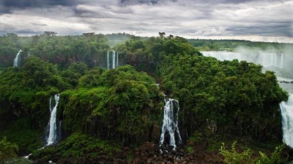 Iguazu Şelalesi