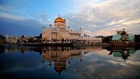 sultan ömer ali seyfeddin cami,cami,göl,gökyüzü