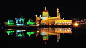 sultan ömer ali seyfeddin cami,cami,göl,gece