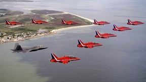 f-22 raptor,uçak,f-serisi,savaş uçağı,beşinci nesil,avcı uçağı,gökyüzü,deniz