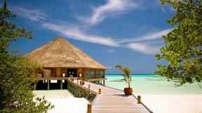 yaz,deniz,otel,kumsal,gökyüzü,ağaç