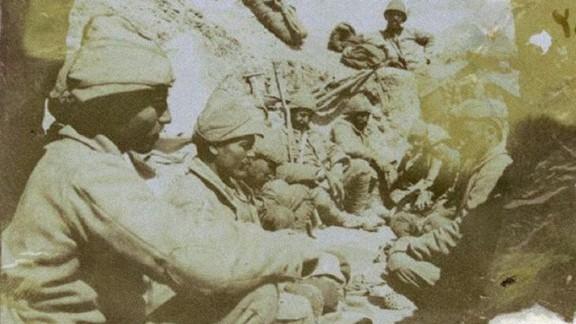 Çanakkale Cenub Grubu Sağ Cenah Siperlerinde Mehmetler
