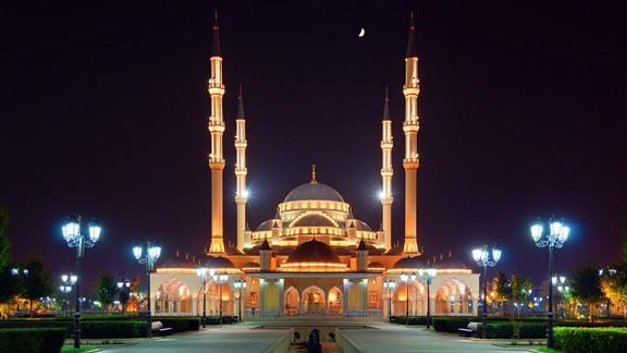 Hacı Ahmet Kadirov Cami