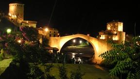 saraybosna,bosna hersek,şehir,mostar köprüsü,nehir,gece